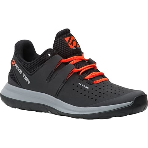 FIVE TEN ACCESS APPROACH SHOE [CARBON]