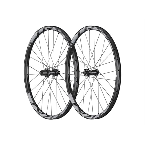 GIANT TRX 1 27.5 BOOST CARBON TRAIL FRONT WHEEL