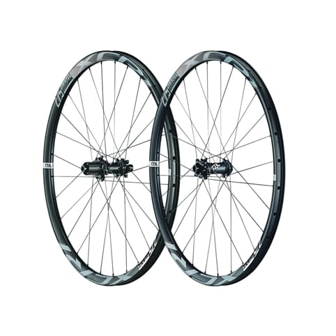 GIANT XCR 1 27.5 BOOST CARBON XC REAR WHEEL *