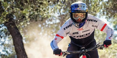 Full Face - Moto X-style full-face helmets feature a hard outer shell, extensive interior padding, a visor and a full chin guard. This level of protection is regarded as essential for certain cycling disciplines including Downhill (DH) and Freeride (FR) as well as BMX racing.