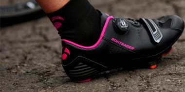 Women Specific Shoes - Many people do not realize it, but women's cycling shoes are not made the same as men's cycling shoes. They will have a narrower width. They will also have a higher arch. Because of this, it is vital that a woman choose cycling shoes that are made specifically for females.